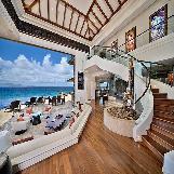 Luxurious Beach Villa in Maui
