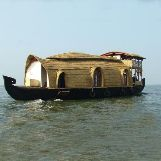 Luxury Houseboat Tours in India
