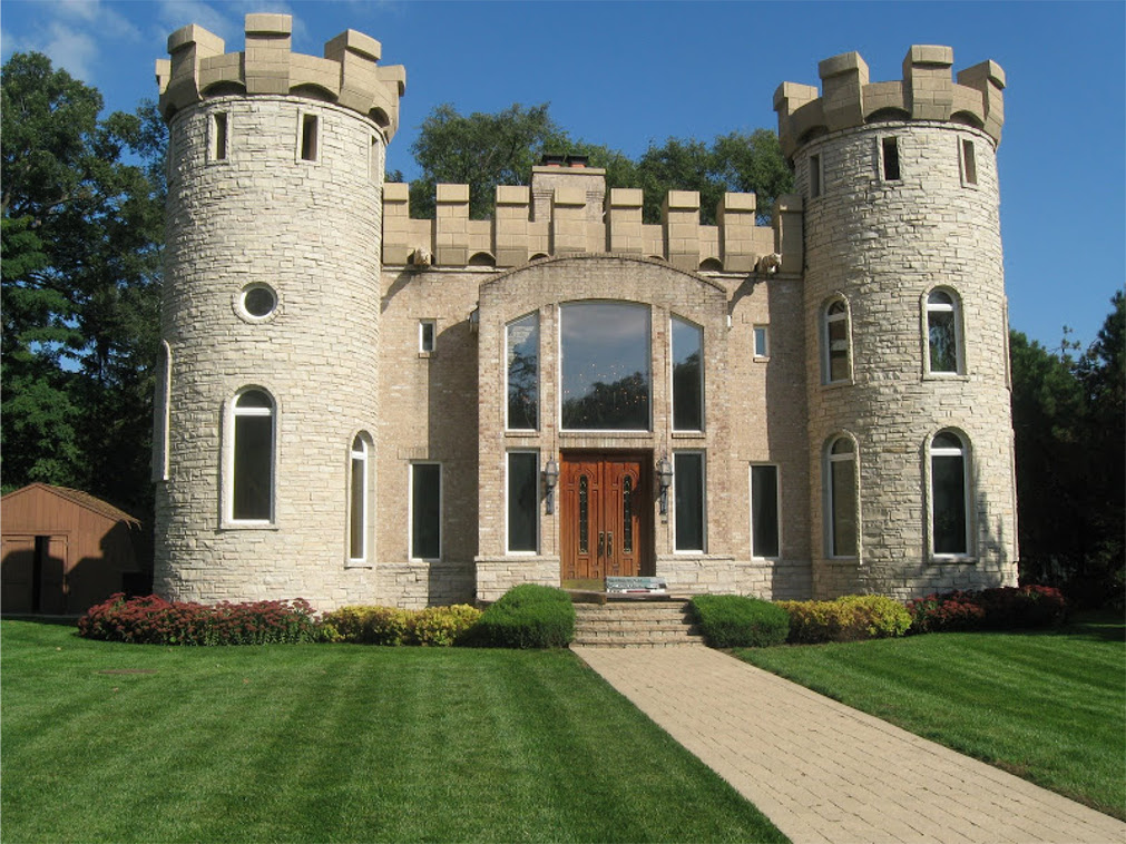 Amazing modern castle dream homes mortgage calculator for Castle homes