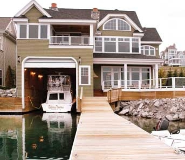 House with boat garage dream homes mortgage calculator for Boat garages