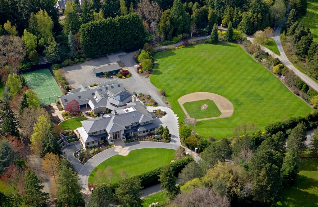Mansion with indoor soccer field  Mansion with Baseball Field | Dream Homes | Mortgage Calculator