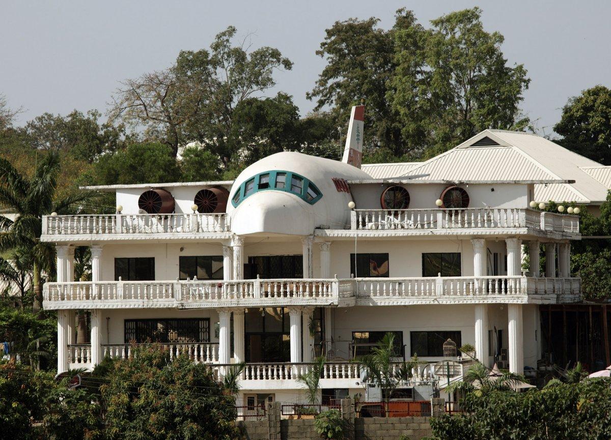Plane House In Abuja Nigeria Dream Homes Mortgage Calculator