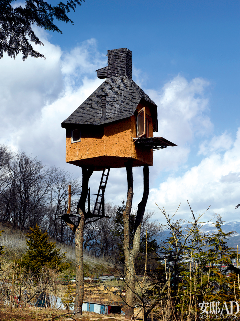 Too Tall Tea House in Nagano, Japan