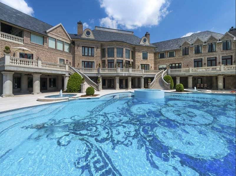 Tyler Perry's House With Giant Pool